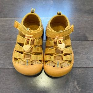 Keen Sandals 8T Toddler Shoes